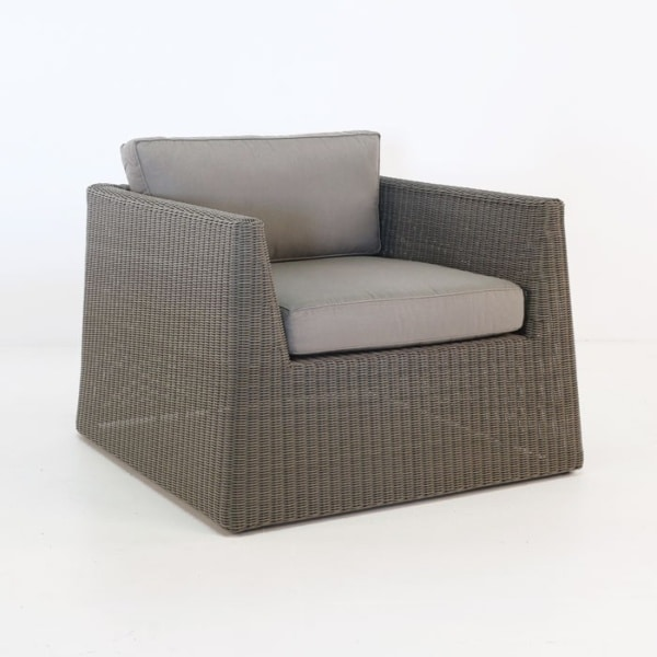 Giorgio Outdoor Wicker Club Chair (Kubu)-0