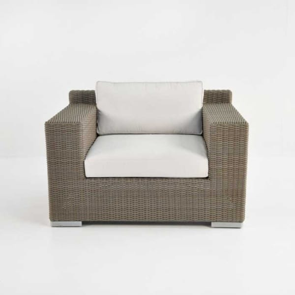 Henry outdoor wicker club chair front