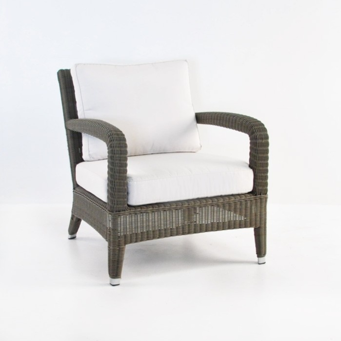 Aaron Outdoor Relaxing Wicker Chair (Kubu)-0