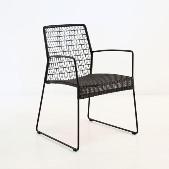 edge wicker arm chair