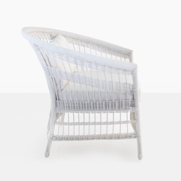 outdoor wicker relaxing chair curved white