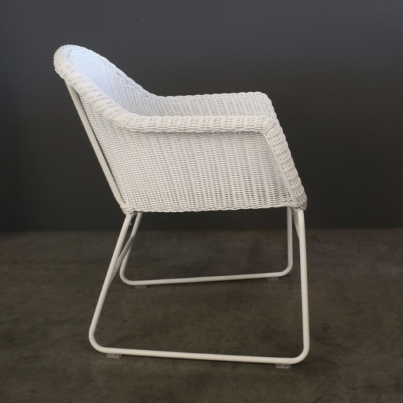 wicker outdoor dining chair side profile