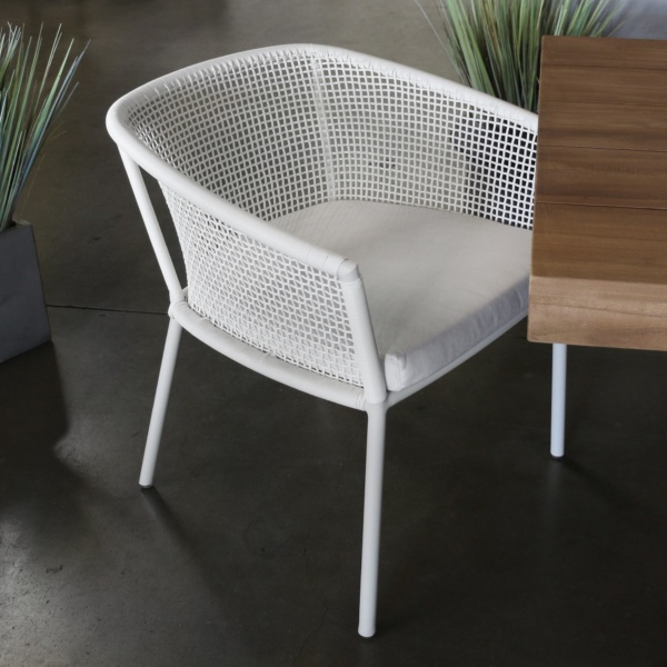 washington white wicker outdoor dining chair