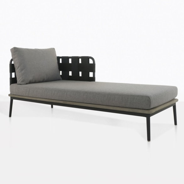 space-left-daybed-one-pillow-2