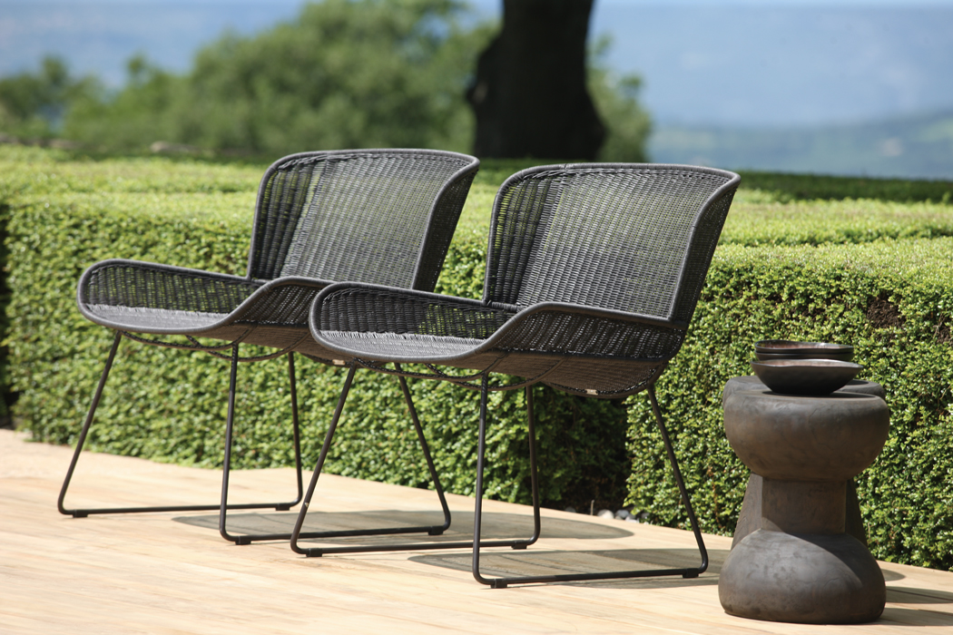 Nairobi Pure Relaxing Chairs Outside