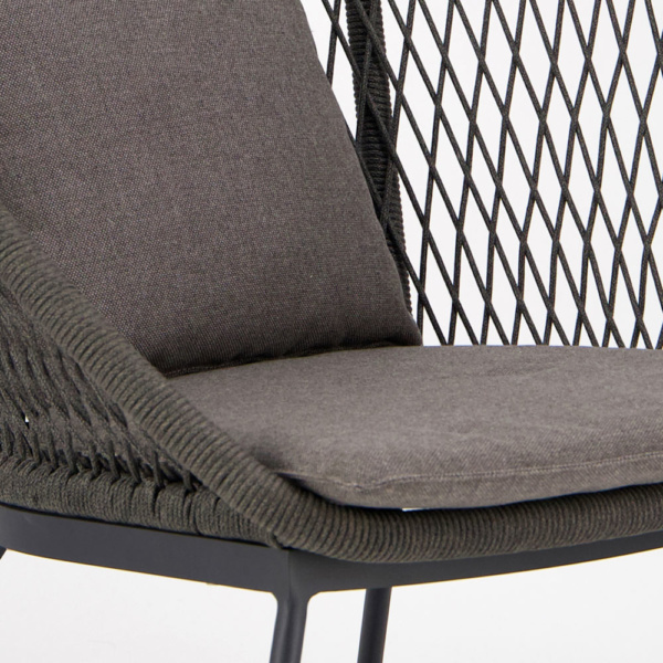 Zaha Outdoor Lounge Chair (High Back Cross Weave) - Closeup View
