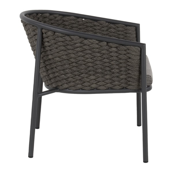 Pippa outdoor relaxing chair made from rope and aluminum