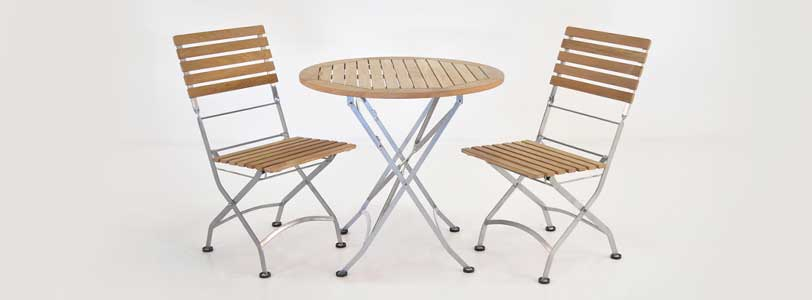 Cafe teak folding table and chairs
