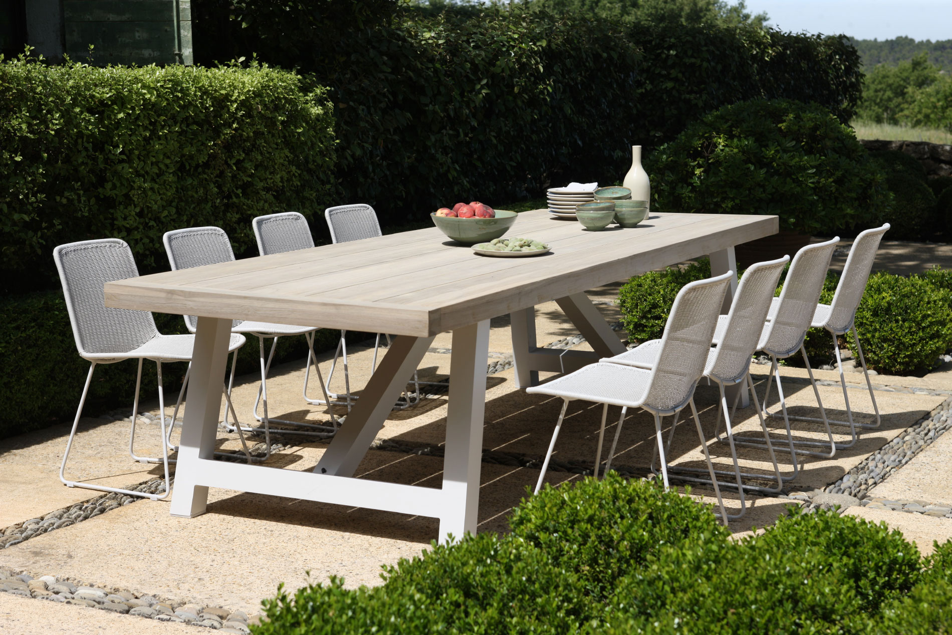 How to Create a Large Outdoor Dining Area